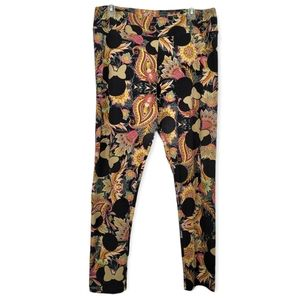 LulaRoe Minnie Mouse Design Leggings Tall and Curvy Plus Size